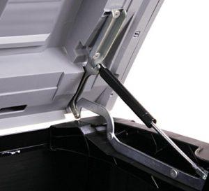 Deckel nach oben mit Gasdruckdämpfer